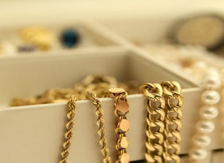 Como ganhar dinheiro vendendo bijuterias na Internet