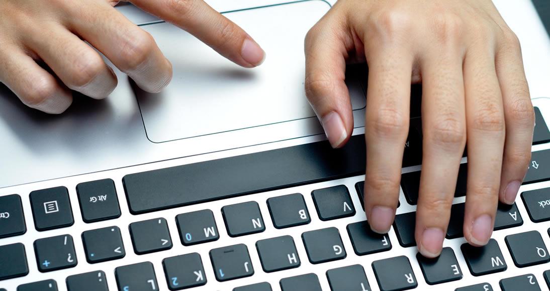 Veja algumas dicas de como montar um negócio na Internet e ter sucesso com ele. O que é mito e o que é realidade, qual a postura correta a se assumir e quais os melhores caminhos a seguir. Confira tudo isso nesta matéria.
